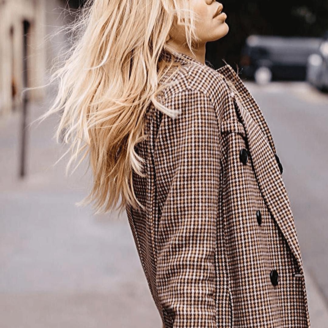 Classy escort model in Paris