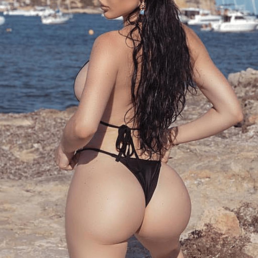 Carla has a sexy butt