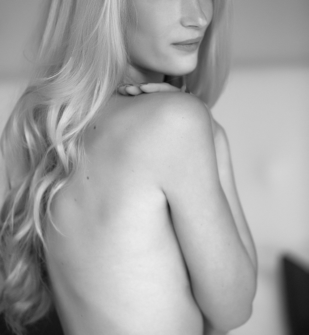Tania with long lucious blond hair